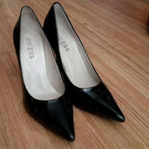 Guess pointed heels size 6